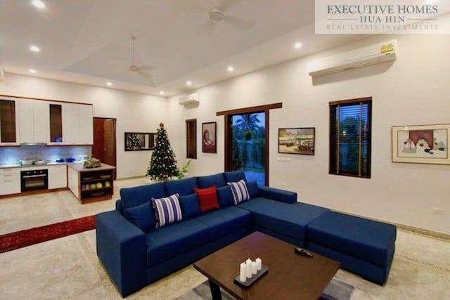 Golden Sands Villa Hua Hin   Inside Living Room