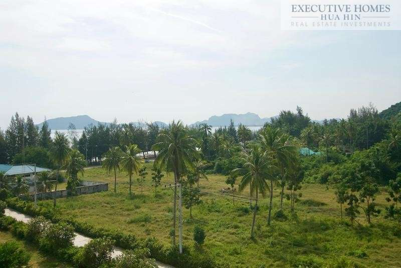 Dolphin Bay Condo for Sale | Dolphin Bay Beach Condo | Pranburi Property for sale | Hua Hin real estate
